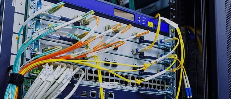 Audyt sieci sprawdza wydajność sprzętu sieciowego w infrastrukturze IT.