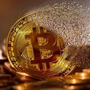 Cryptojacking to narzędzia do kopania kryptowalut, która zagraża użytkownikom Internetu.