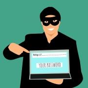 Spear-phishing to technika opierająca się na fałszowaniu wiadomości email w celu wyłudzenia danych osobowych.