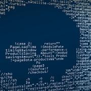 Atak DDoS wysyła dużą liczbę zapytań w celu wywołania przestoju działania aplikacji.